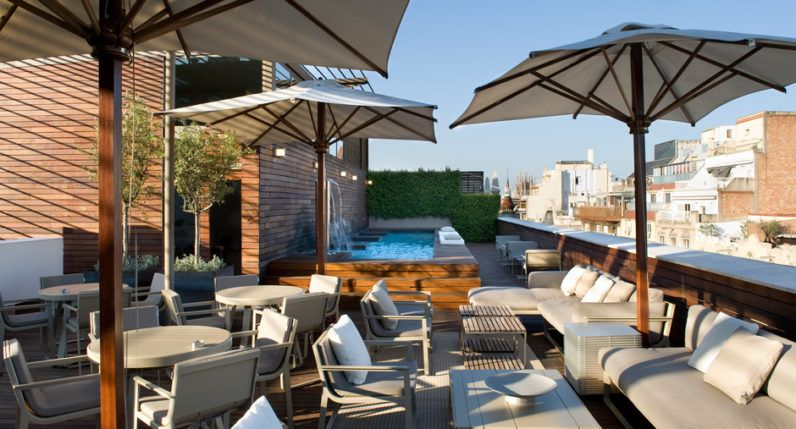 4 Terrace and pool