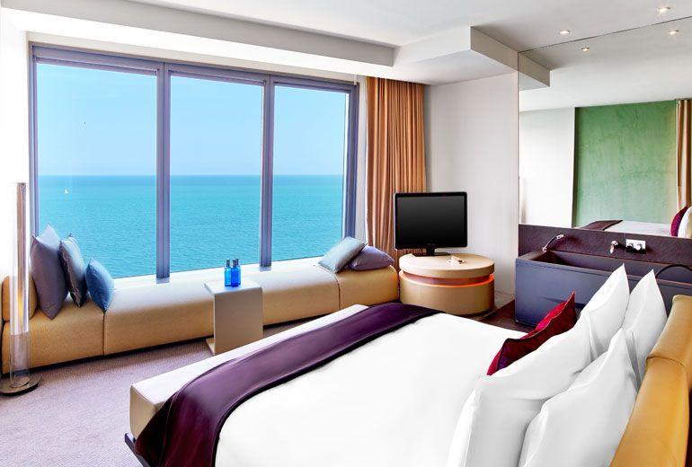Cool Corner Suite Bedroom